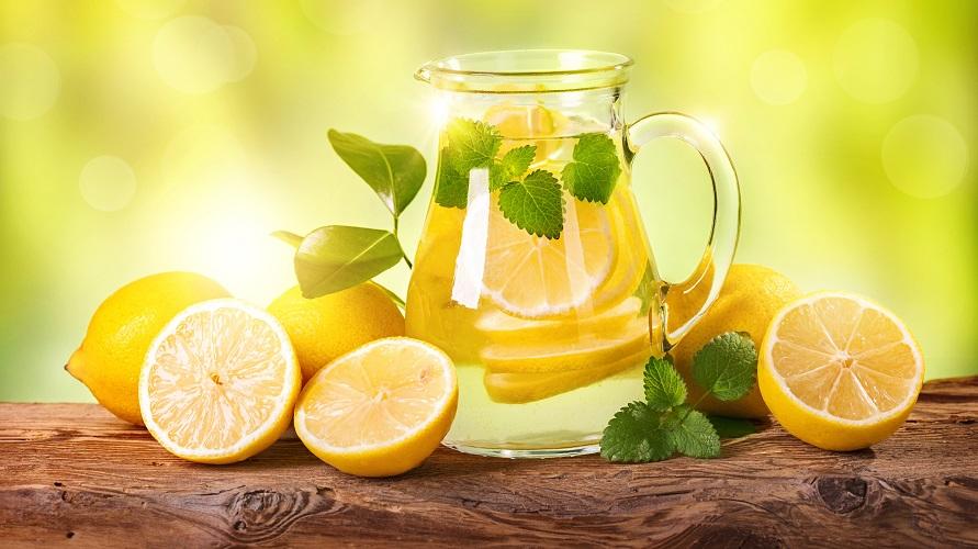 5 Manfaat Air Lemon Hangat Yang Sayang Untuk Dilewatkan