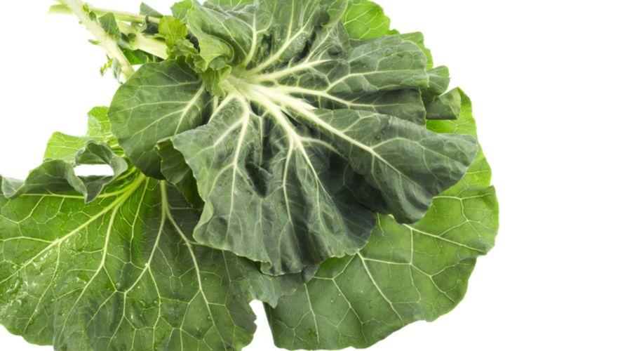 Collard greens adalah sayuran berdaun hijau yang bernutrisi tinggi