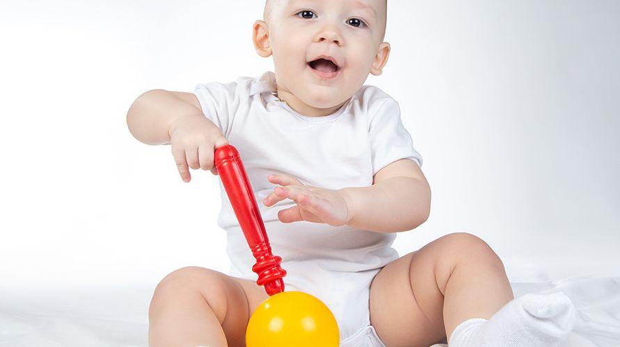 Pendengaran bayi usia satu tahun lebih peka dan dapat merespons