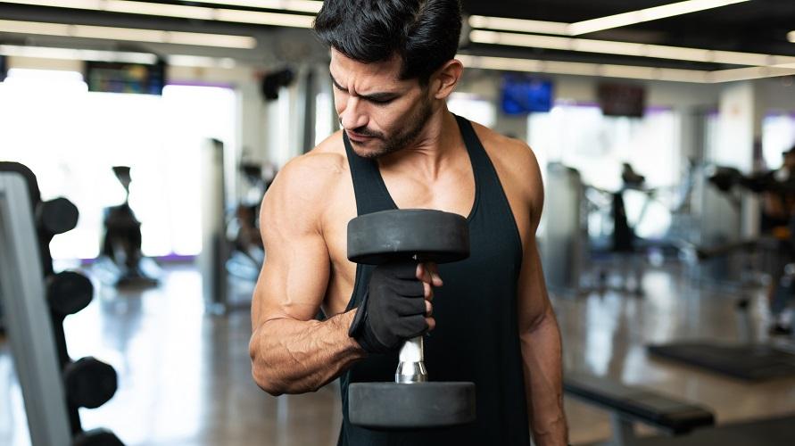 Contoh olahraga yang baik untuk jantung adalah angkat beban