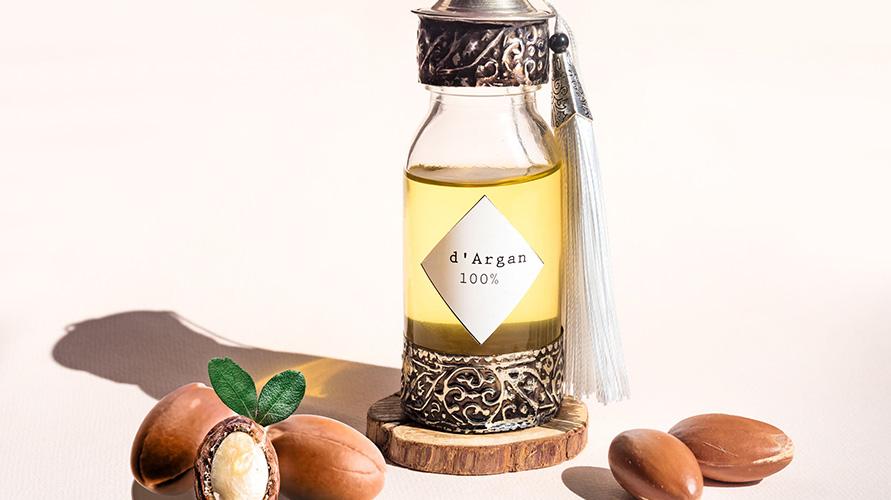 Cara menghaluskan rambut bisa dengan minyak argan