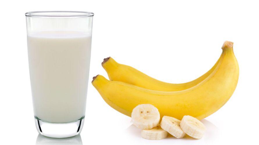 Pisang dan susu adalah makanan yang tidak boleh dimakan bersamaan