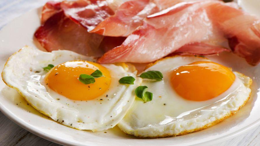Telur dan daging goreng dipercaya sebagai makanan yang tidak boleh dimakan bersamaan