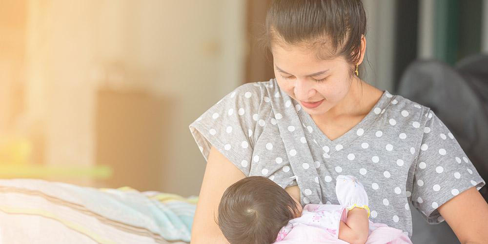 Payudara nyeri saat menyusui dapat terjadi jika bayi tongue tie