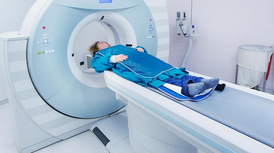 CT scan biasanya lebih murah dibandingkan MRI
