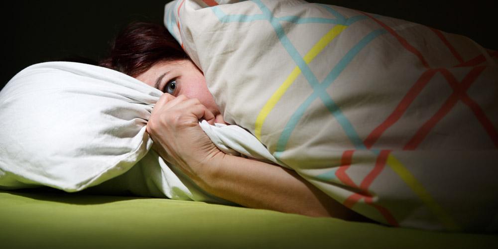 Menghindari suara bising dapat dilakukan sebagai cara memperbaiki pola tidur