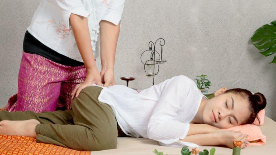Thai massage dipercaya bisa mengatasi sakit kepala