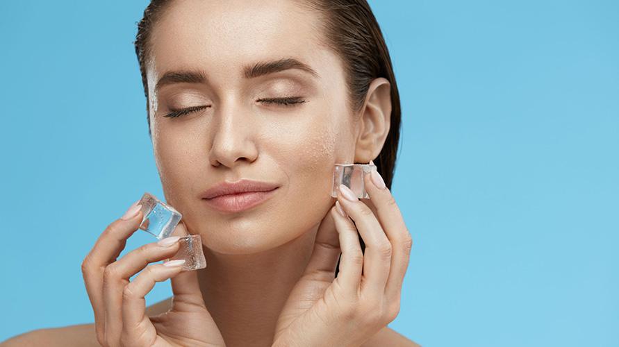 Manfaat es batu untuk wajah sebelum tidur sebaiknya jangan digunakan sembarangan