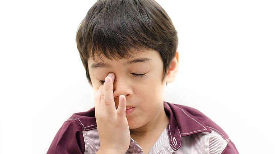 mata merah tanda gangguan sistem air mata