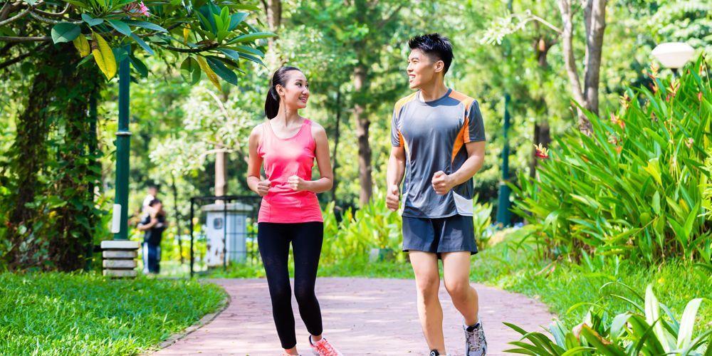 Bepergian ke luar rumah dipercaya sebagai cara menghilangkan sakit hati yang ampuh