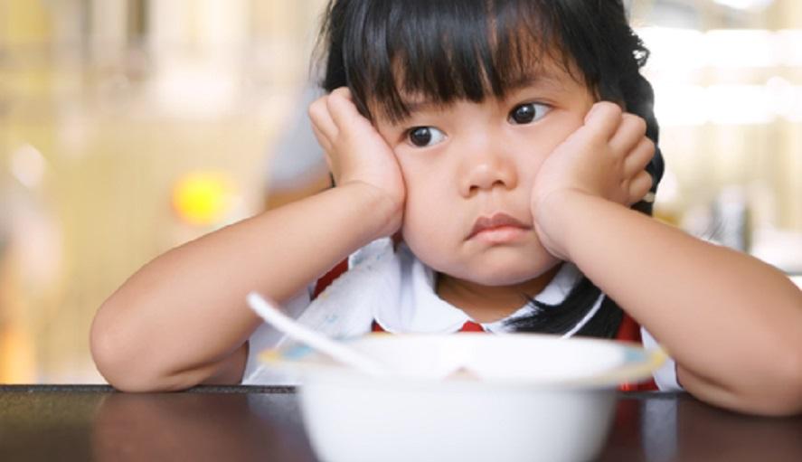 Anak akan sulit makan jika ia merasa ngantuk