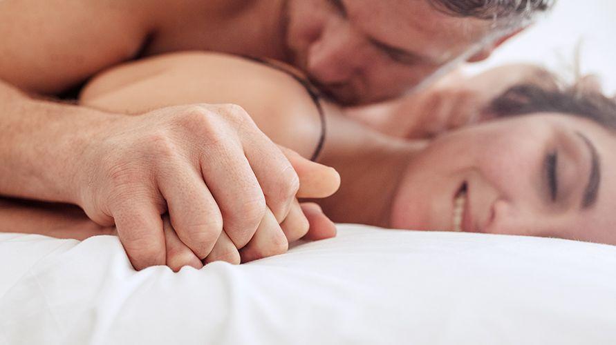 Sebaiknya, hindari seks anal saat hamil