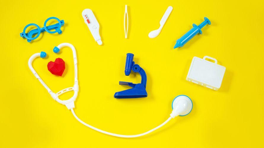 Mainan dokter-dokteran