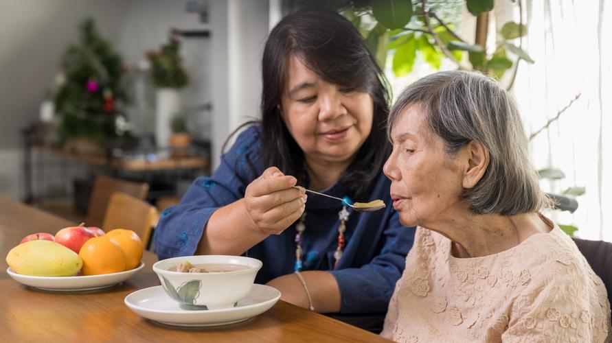 nutrisi penting dalam proses penyembuhan lansia sakit