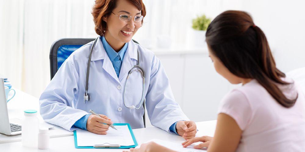 Cara cepat hamil setelah haid yang penting adalah berkonsultasi dengan dokter kandungan