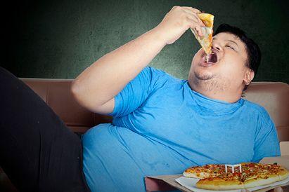 makan makanan tidak sehat