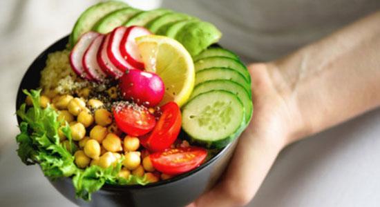 potongan sayur dalam mangkuk