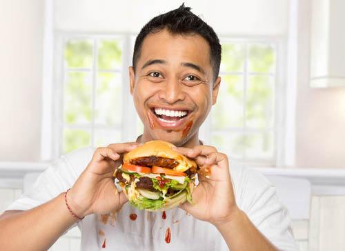 makanan tinggi karbohidrat dan lemak jenuh dapat menyebabkan kadar trigliserida menjadi tinggi