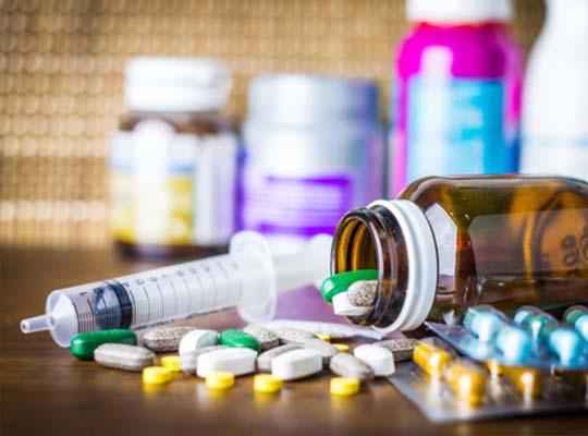 Obat seperti estrogen, protease inhibitor, dan kortikosteroid dapat meningkatkan kadar lemak di tubuh