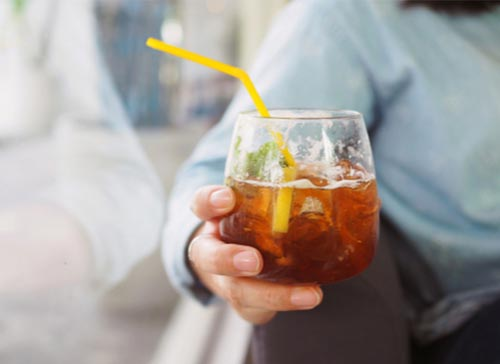Minuman seperti soda dan teh manis dapat menyebabkan penuaan dini