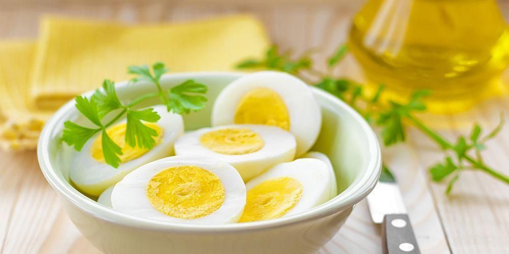 Telur mengandung vitamin B12 yang dapat menurunkan risiko osteoporosis