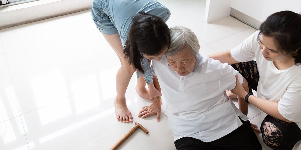 Lansia kerap mengalami sakit pinggang karena penuaan yang terjadi