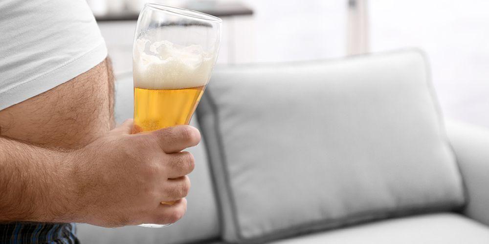 Hindari alkohol dapat membantu mencegah darah tinggi