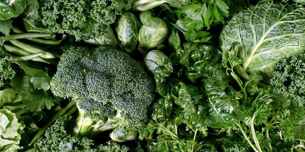 Sayuran hijau tinggi akan serat dapat melancarkan tinja keluar dari usus