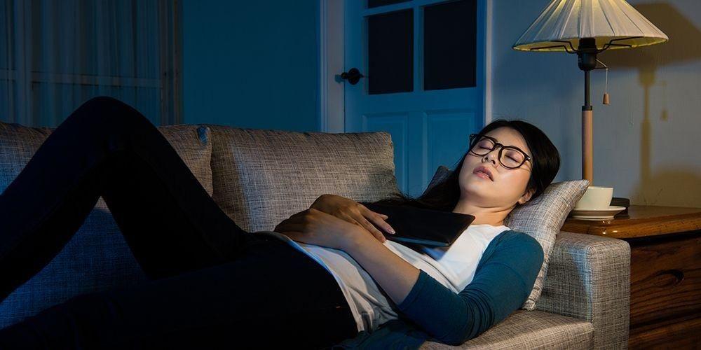 Jangan tidur di sofa jika tidak ingin susah tidur