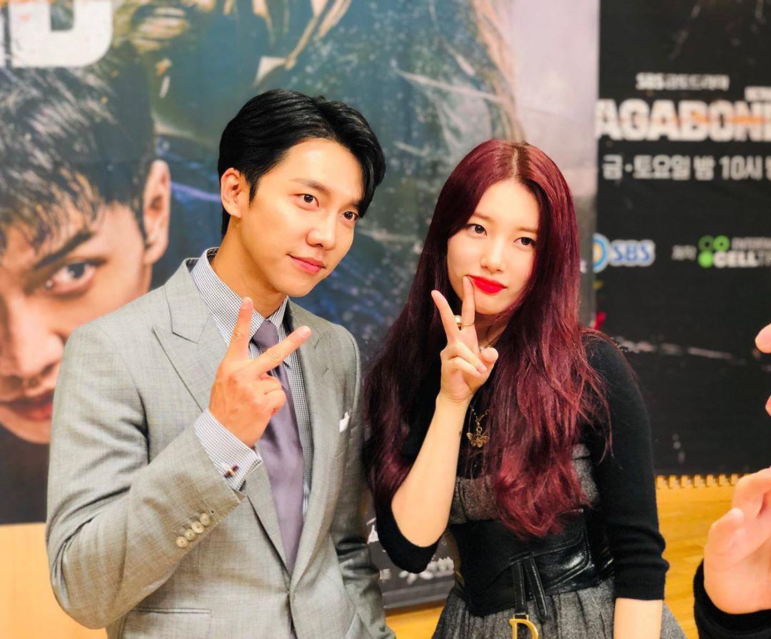 Lee Seung Gi dan Bae Suzy adalah artis yang ikut menyumbang melawan virus corona dengan donasi uang
