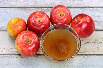 Cara melemaskan rambut kaku dengan cuka apel
