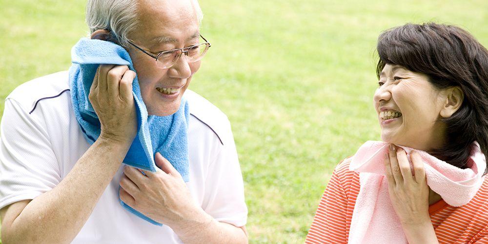 Olahraga dengan teratur dapat mengecilkan perut buncit pada lansia