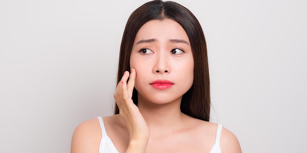 Acne patch terbuat dari hidrokoloid