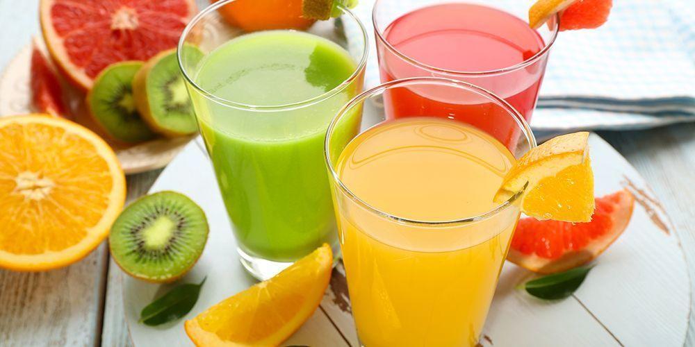 Air kelapa merupakan minuman yang lebih sehat dibandingkan jus buah