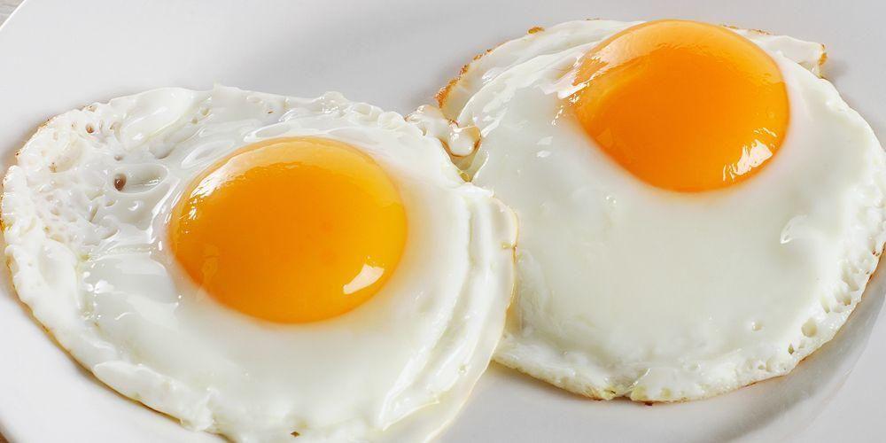 Kuning telur mengandung protein, vitamin, dan mineral