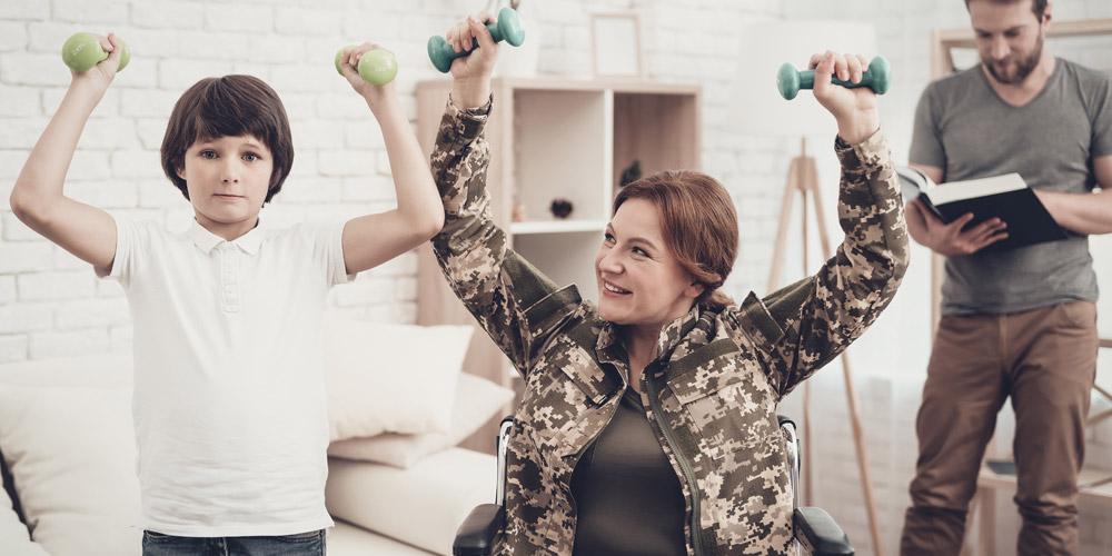 Mengangkat beban dapat meningkatkan kekuatan otot penderita paraplegia
