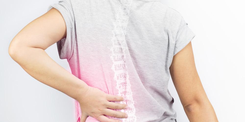 Skoliosis adalah kondisi tulang belakang melengkung ke samping