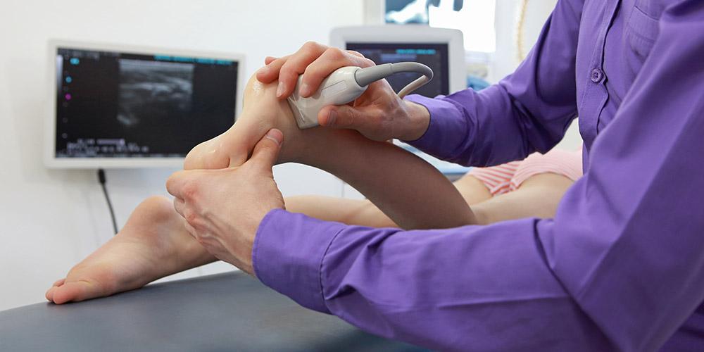Spesialis kedokteran olahraga membantu mengatasi masalah yang terjadi akibat olahraga