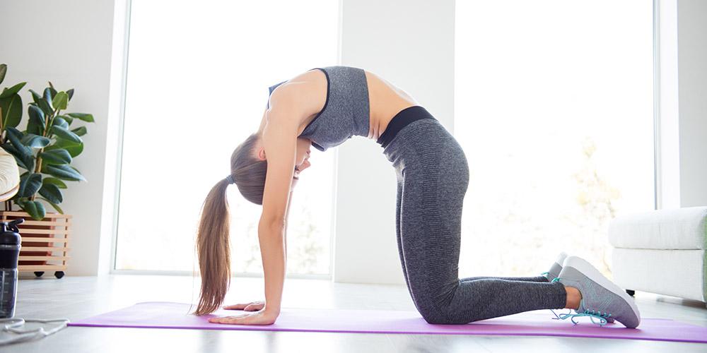 Tree pose atau vriksasana dapat memperbaiki postur penderita skoliosis