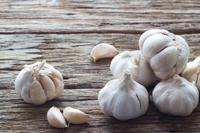 Bawang putih mengandung mangan, vitamin C, vitamin B6, selenium, serta serat
