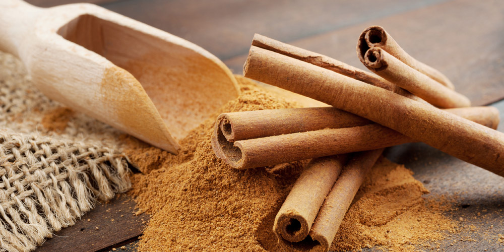 Zat cinnamaldehyde dalam kayu manis berguna bagi kesehatan tubuh