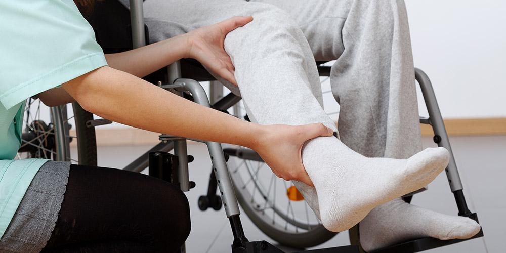 Paraplegia merupakan kelumpuhan pada tubuh bagian bawah