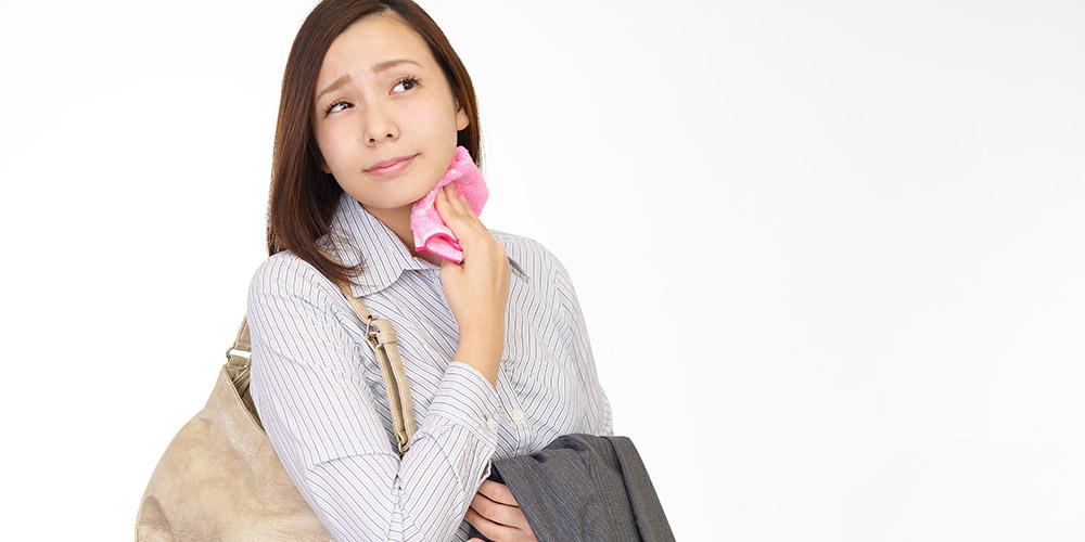 Hiperhidrosis adalah keringat berlebih karena kelenjar keringat terlalu aktif