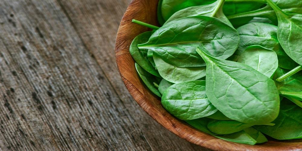 Sayur bayam mengandung vitain dan mineral yang baik untuk tubuh