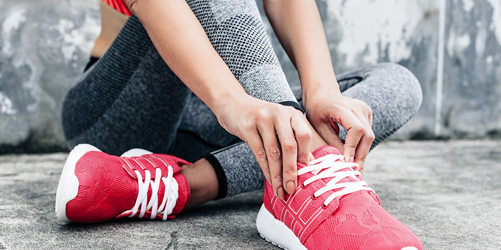 Pilihan sepatu yang tepat untuk berjalan kaki