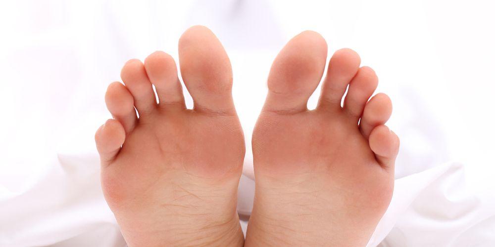 Menggoyangkan jari-jari dapat membangunkan Anda saat sleep paralysis