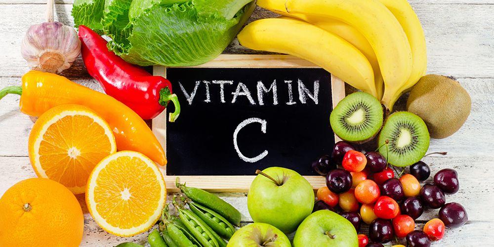 Daun kelor mengandung vitamin C yang cukup untuk konsumsi harian