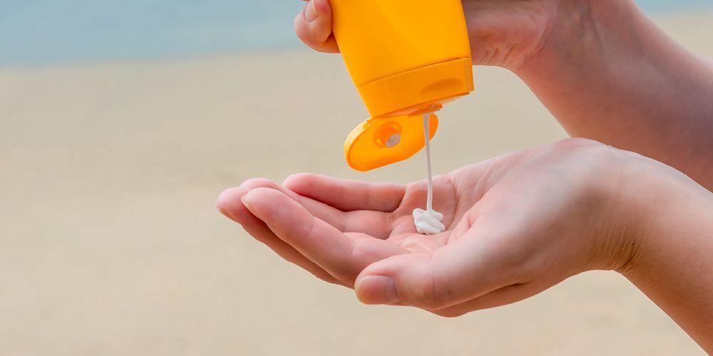 cara menghilangkan minyak di wajah dengan sunscreen