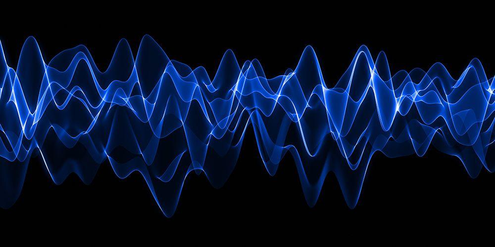 Gelombang elektromagnetik diproduksi oleh benda elektronik seperti headphone bluetooth, wifi, ponsel, komputer, dan sebagainya.
