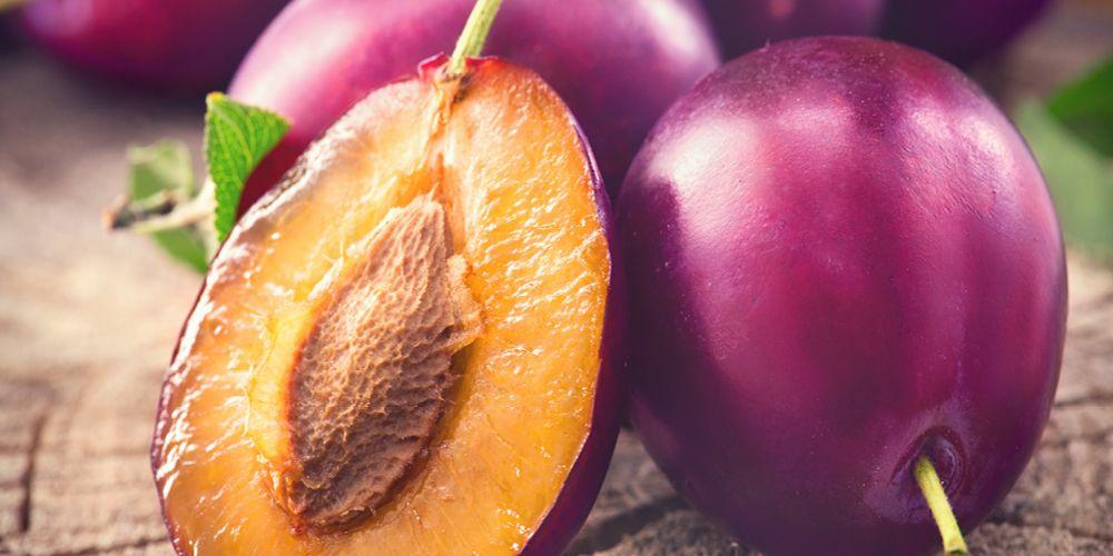 buah untuk sariawan lainnya adalah plum kering